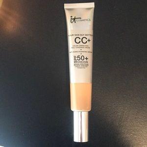 It Cosmetics 2.53 fl oz.
